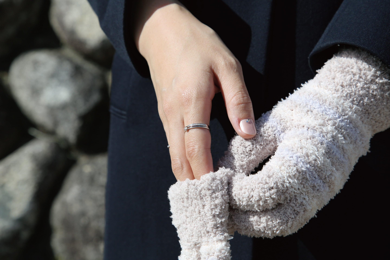 手袋とリング1